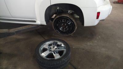 Pothole Damaged Car in Macomb County, MI